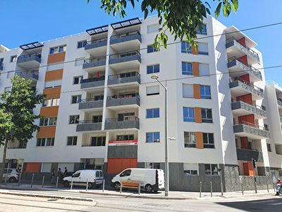 Appartement Nice 4 pièces 74.75 m2 + Parking
